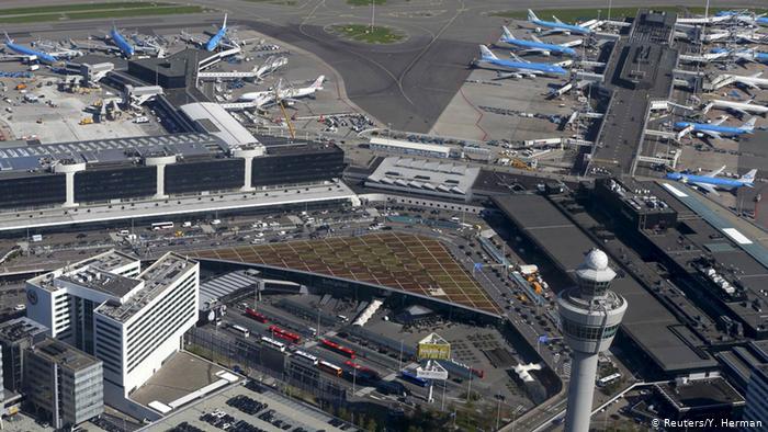 المواصلات من مطار امستردام الى الفندق