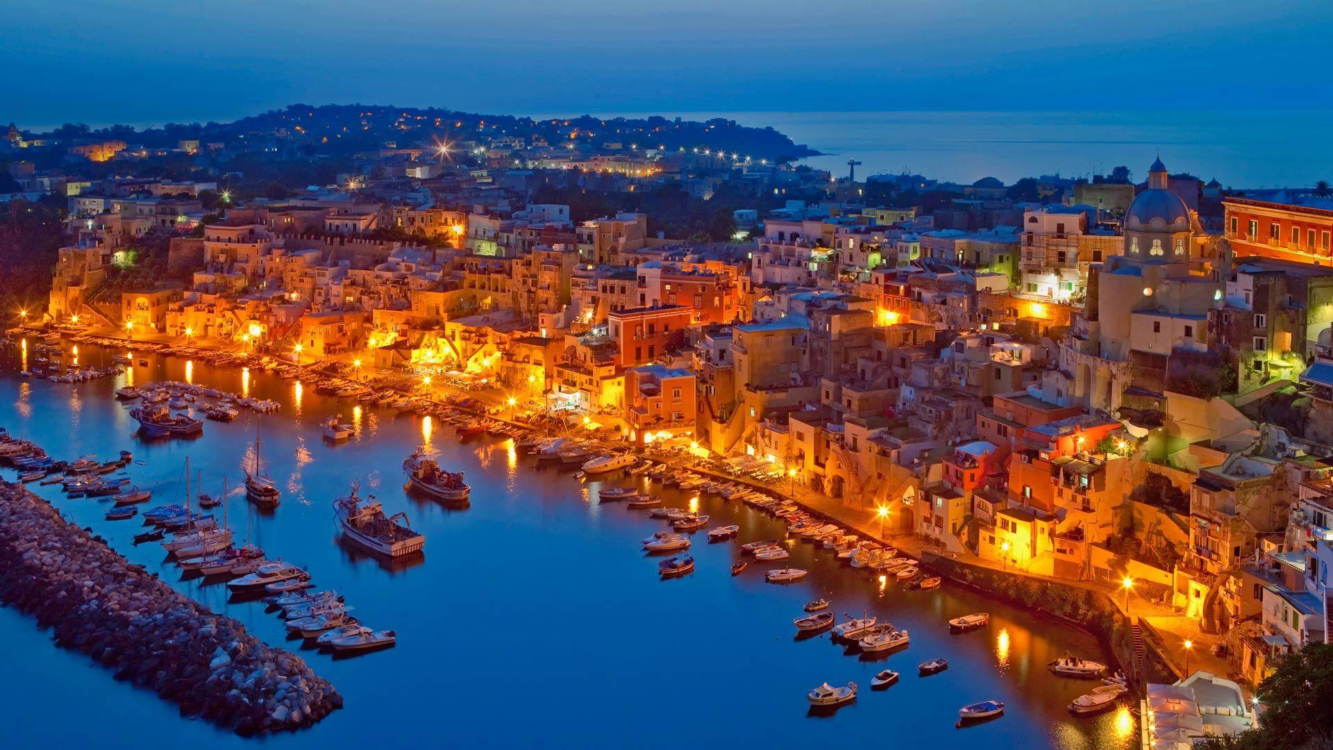 جزر ايطاليا السياحية